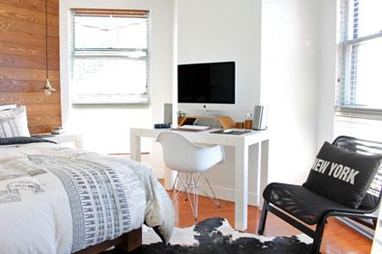 Ein Kleiner Schreibtisch Arbeitsplatz Für Ein Home Office