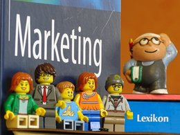 Online Marketing-Lexikon von WiWi-TReFF mit gut 400 Marketing-Begriffen.